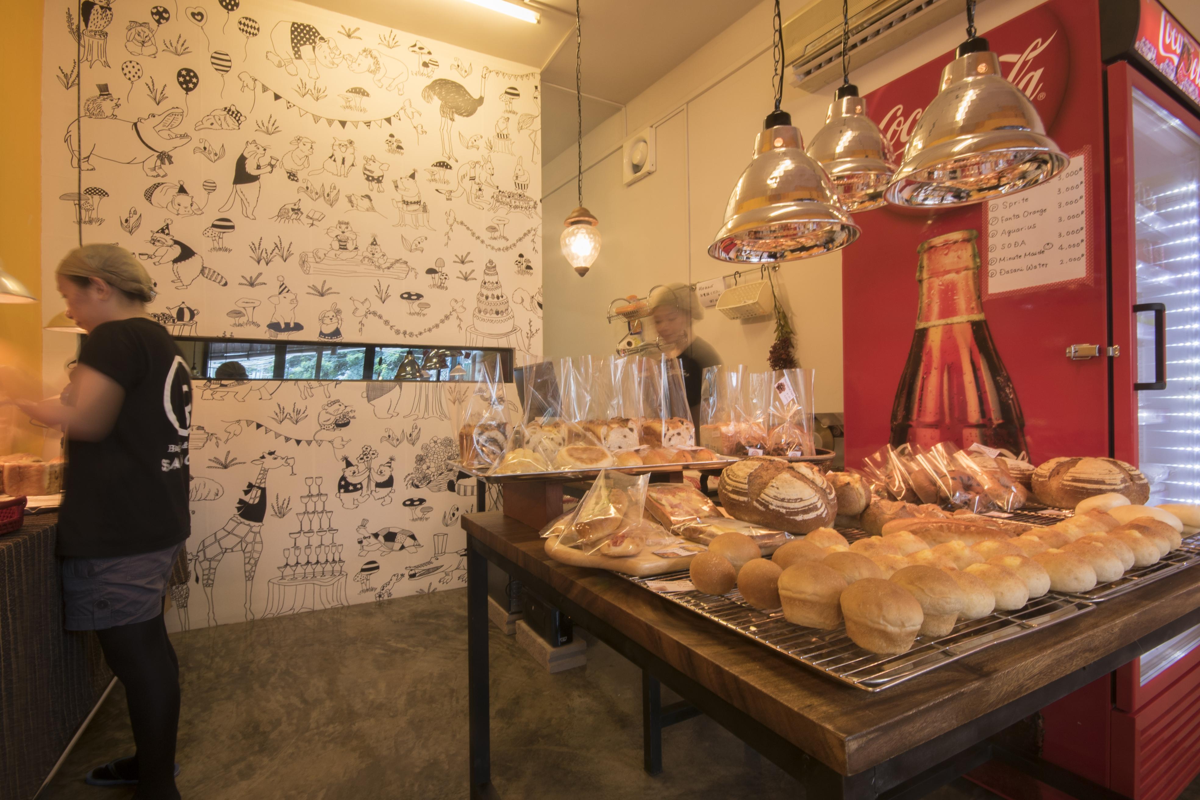 午前中の営業はじめました。Bagel & Bakery SANCHA opens from 7am to noon.