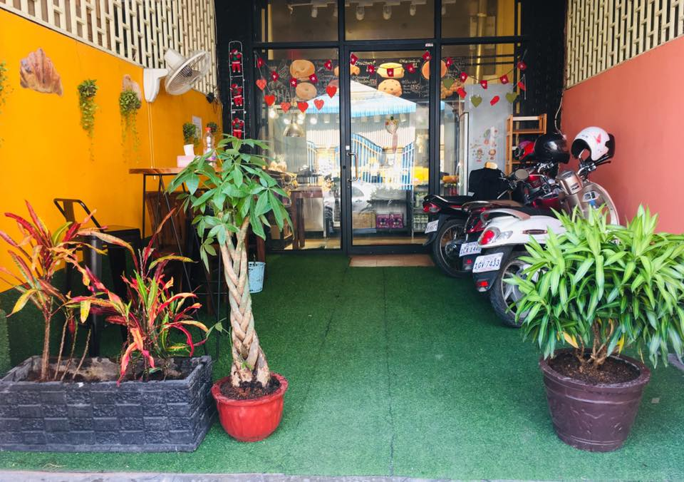 Our tiny store to be chill-out space お客さんが心地よい空間